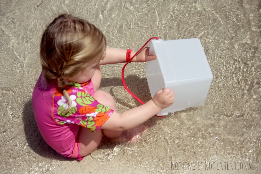 Taking the kids to the beach? Check out this post to know what to pack!