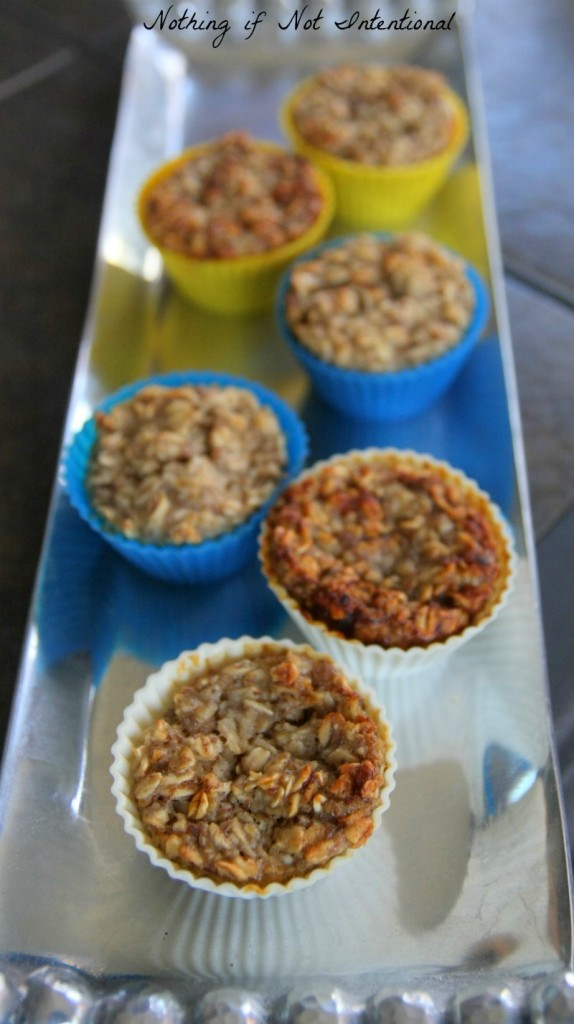 The best banana oatmeal muffins. Great for kids!