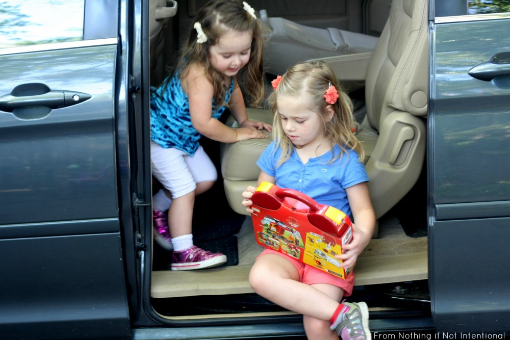 Tips for traveling with kids by car