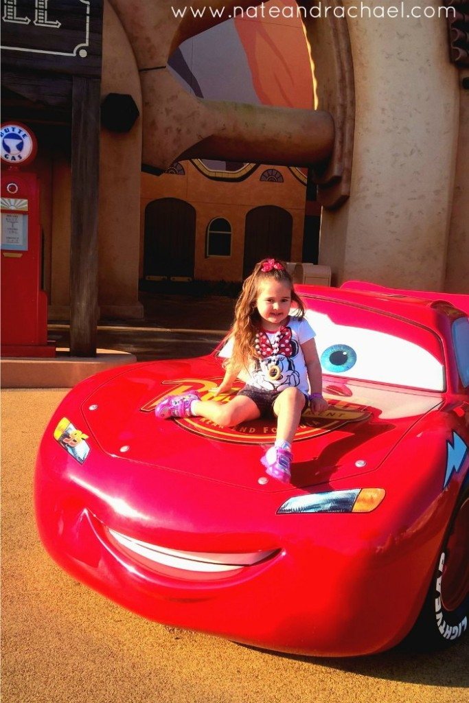 Thinking about taking a multi-generational Disney family trip? You need these tips!