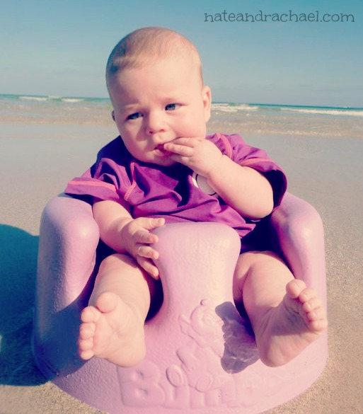 Baby beach bum--Must-read tips for taking baby to the beach!