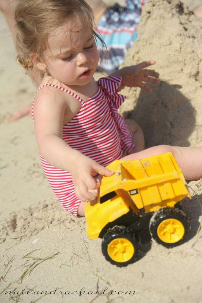 things to do at the beach with toddler