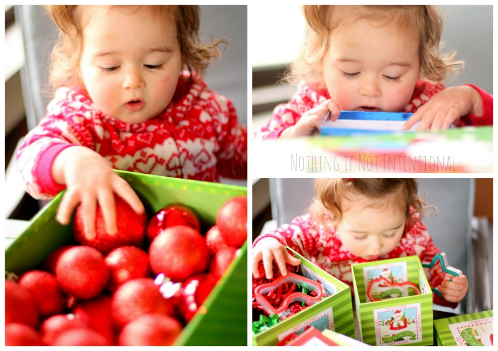 Christmas discovery boxes--simple, sweet, and FREE way for babies and toddlers to play at Christmastime.