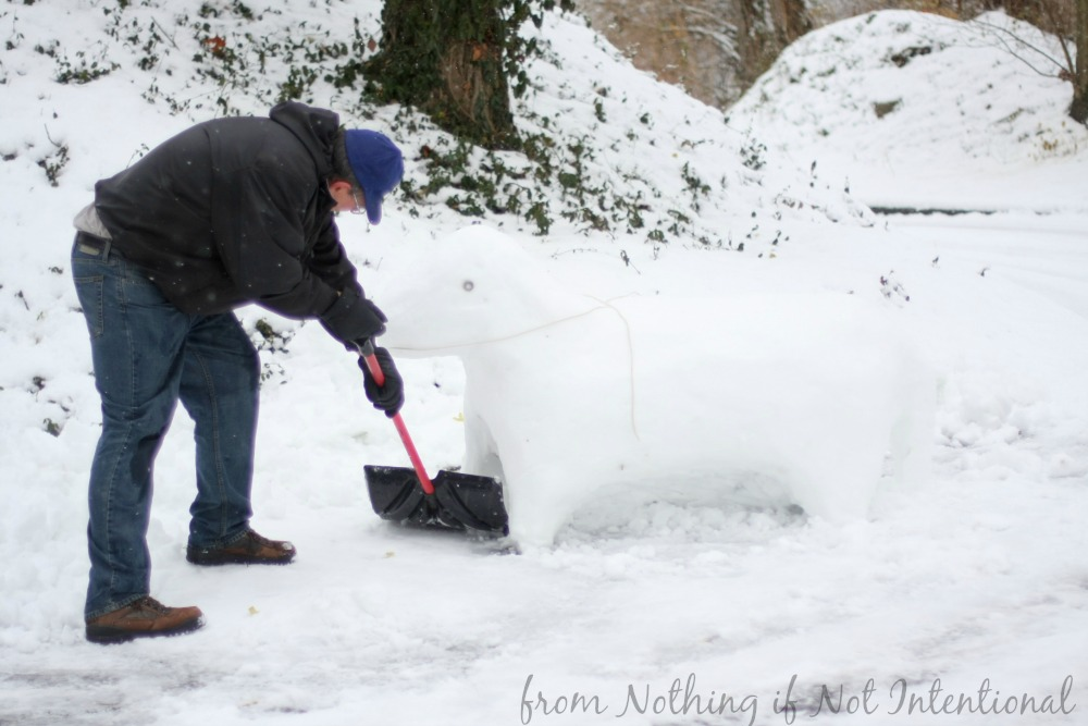 How to make a snow horse!