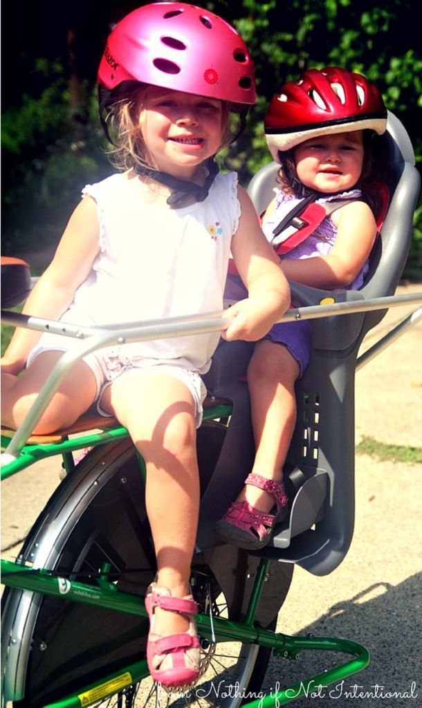 11 ideas to keep kids happy and make family bike rides more fun for little kids