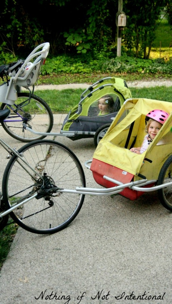Bike seats, bike trailers, tandem bikes or cargo bikes. Which option is right for your family?