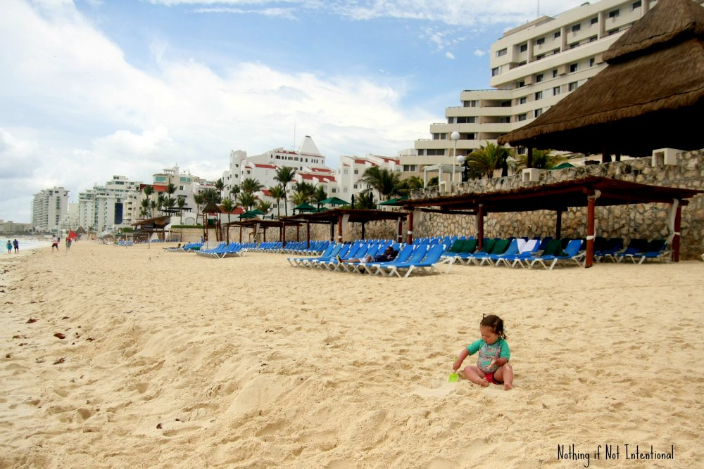 Tips for taking a vacation to Cancun Mexico with kids