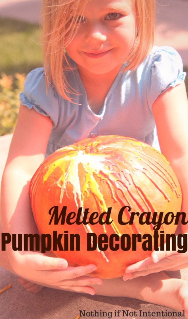 Melted crayon pumpkins. Easy, no-carve idea for decorating pumpkins with kids!